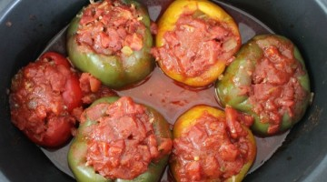 crockpot stuffed peppers in the crock pot