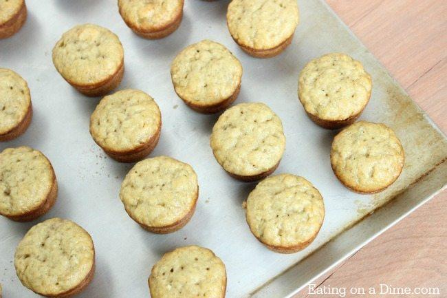 freezer friendly banan bread mini muffins